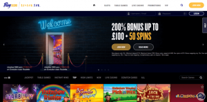 Foxy UK Slots Review (Short and Easy)